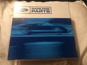 Nos Oem Ford Crown Victoria Center Cap For A 16 Wheel 2000 2002