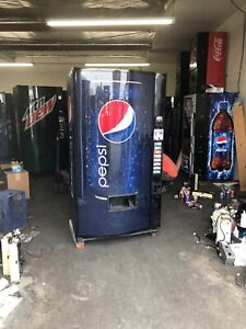 Vendo 516 8 Soda Vending Machine W coin Bill Accept pepsi Bubble Front
