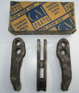 1941 1942 Buick Special Super Lower Control Arm A Frame Nos Oem 1393371