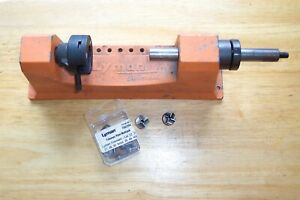 LYMAN UNIVERSAL CASE TRIMMER WITH POWER ADAPTOR PILOTS AND EXTRA TRIMMER HEAD