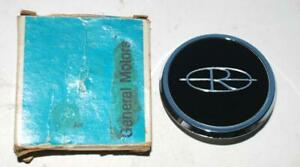 Nos 1972 1973 Buick Riviera Wheel Cover Center Cap Medallion 1240324