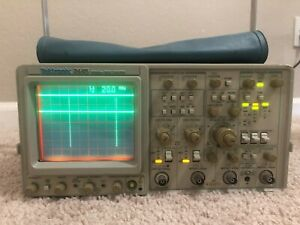 Tektronix 2445a 150mhz 4 Channel Oscilloscope In Excelent Condition