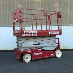 2008 Mec 3247es Electric Scissor Lift
