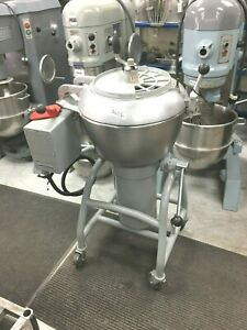 Mixer Vertical 40 Qt Hobart 220 Volts 3 Phase 20 Amps 3 Speeds Vcm 40 E
