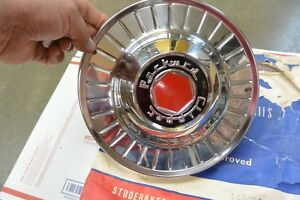 Nos Packard Clipper Hubcap 465076
