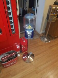 Used Richland Beaver Like Gumball Machine Ss Stand With Lock And Key Black