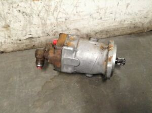 Case 1845 Skid Steer Drive Motor Less Gearbox Fits Both Sides