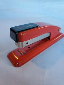 Vintage Swingline Stapler Two Tone Red And Black 5 Standard Staples Ny Usa