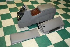 03 06 Escalade Gray Floor Center Console Armrest Lid Storage Woodgrain Cupholder