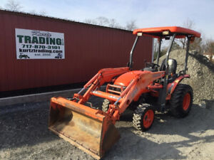 2013 Kubota B26 4x4 Diesel Hydro Compact Tractor W Loader Only 2200 Hours