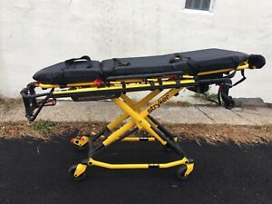 Stryker Performance Pro Xt Ambulance Cot Great Cond option Iv Pole 02 Storage