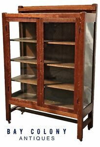 Early 20th C Tiger Oak Arts Crafts Antique Bookcase China Cabinet