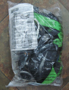 New Miller Green Fall Protection Safety Harness 070009 Size Small medium