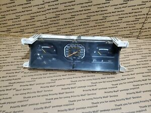 85 86 Mitsubishi Mighty Max Dodge Ram50 Speedometer Cluster Mb385925 257300 2330