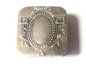 Very Nicely Engraved Silver Pill Snuff Box Made In Portugal 1 1 8x1 1 8 18 Gms