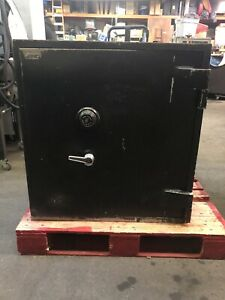 Heavy Large Industrial Tl 15 Ul Tool Resistant Safe Vault Bank Jewelry