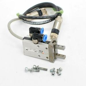 Smc Pneumatics Mhz2 10d Double acting Air Gripper Parallel Synchronized Action