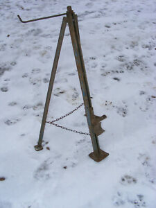 Antique Vintage Wood Handle Crank Tripod Bumper Jack Car Truck Barn Find
