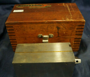 Brown Sharpe 760 Magnetic Block With Wooden Case