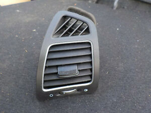 2014 2015 Kia Sorento Dash Driver Side left Air Vent Trim