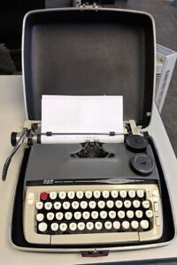 L k Scm Smith Corona Galaxie Ii Portable Typewriter