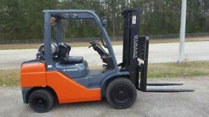 2014 Toyota 8fgu30 Forklift Truck Solid Pneumatic Tires no Flats New Paint