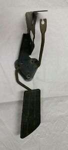 1976 1987 Gas Pedal Assembly Chevrolet Gmc C10 Truck Sub Blazer 76 80 85 86 87