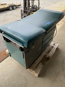 Ritter 104 Medical Exam Table With Stirrups Model 100 024