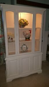 Vintage White China Hutch In Great Condition 2 Glass Shelves And Is Lighted