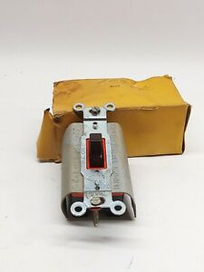 Hubbell 1385 3pos Toggle Switch new In Box