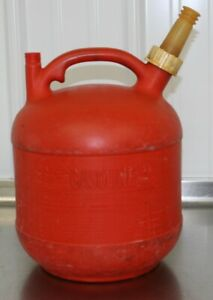 Vintage Eagle 2 1 2 Gallon Vented Plastic Gas Can Model Pg 3 Made In Usa