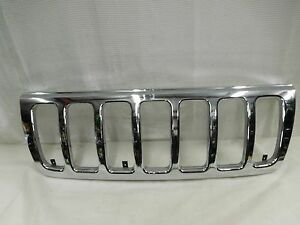 99 00 01 02 03 Jeep Grand Cherokee Grille Chrome Grill P n 55155921ac Oem