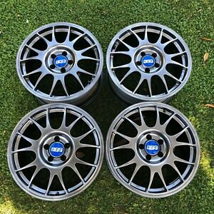 4x Bbs Re 18x9 Et38 5x112 With 57 1 Hubcentric Rings And Blue Bbs Caps