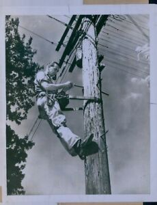 1948 Lineman Heile Pymatuning Independent Telephone Press Photo