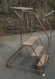 Rolling Step Ladder 3 Step 25 Wide 29 Tall At Highest Step