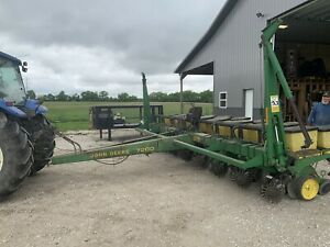 John Deere 7200 Air Planter Max Emerge 2
