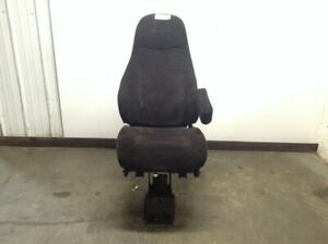 2014 Peterbilt 587 Right Air Ride Seat Needs Cleaning