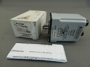 Time Mark 339 120v 300sec On off Delay Relay True Off Ac dc 8 pin 1 300se