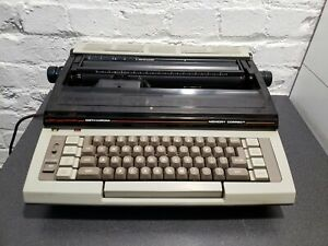 Heavy Vintage Typewriter Smith corona Electronic Memory Correct Rare Model