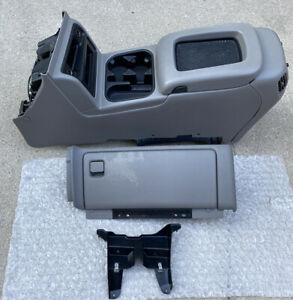 03 06 Chevy Avalanche Silverado Sierra Center Center Console W Glove Box