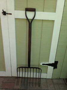 Vintage Garden Pitchfork W 10 Tines Wood Handle Old Farm Tool Country Decor