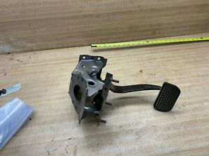 1989 1994 Geo Metro Brake Pedal With Automatic Transmission