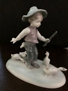 Vintage Metzler Ortloff 7212 Porcelain Boy With Flute And Geese