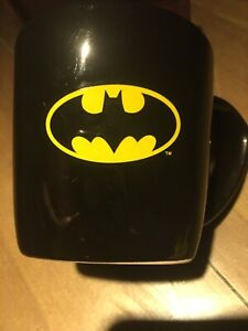 NWT Batman Coffee Mug Ceramic Bat Logo DC Comics Six Flags Retro Hall Of Justice