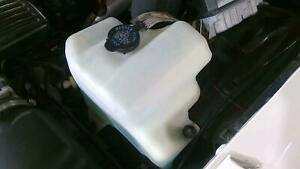 93 96 Cadillac Fleetwood Washer Bottle With Cap Pump Oem