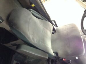 2011 Freightliner Cascadia Left Seat Air Ride