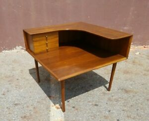 Vintage Erno Farby Danish Mid Century Modern Corner End Side Table Triangle