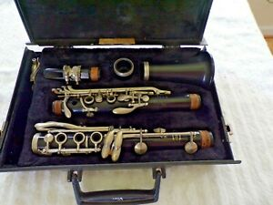 Vito Reso Tone Clarinet with Carrying Case