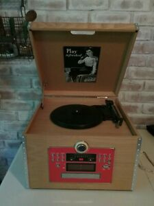 VTG RETRO COCA COLA WOOD CRATE ALBUM TURNTABLE CD AM/FM SYSTEM PLAYS 45s LPs