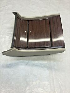 03 06 Cadillac Escalade Center Console Lower Cupholder W Ashtray 2003 2006